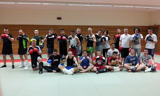photo groupe  boxe thaï