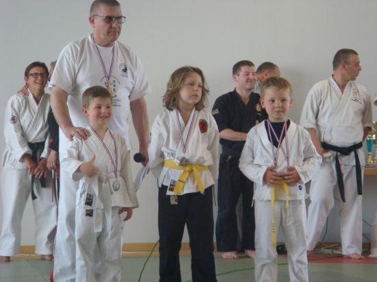 Podium blc jaune 6-9 ans (1)
